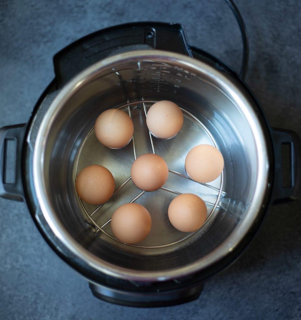 Eggs on an egg trivet in the instant pot