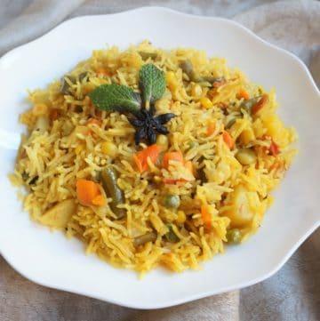 Vegetable Rice Pulao / Pilaf – Instant Pot Pressure Cooker