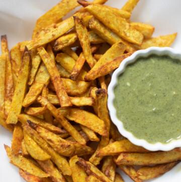 Taro Fries with a dip