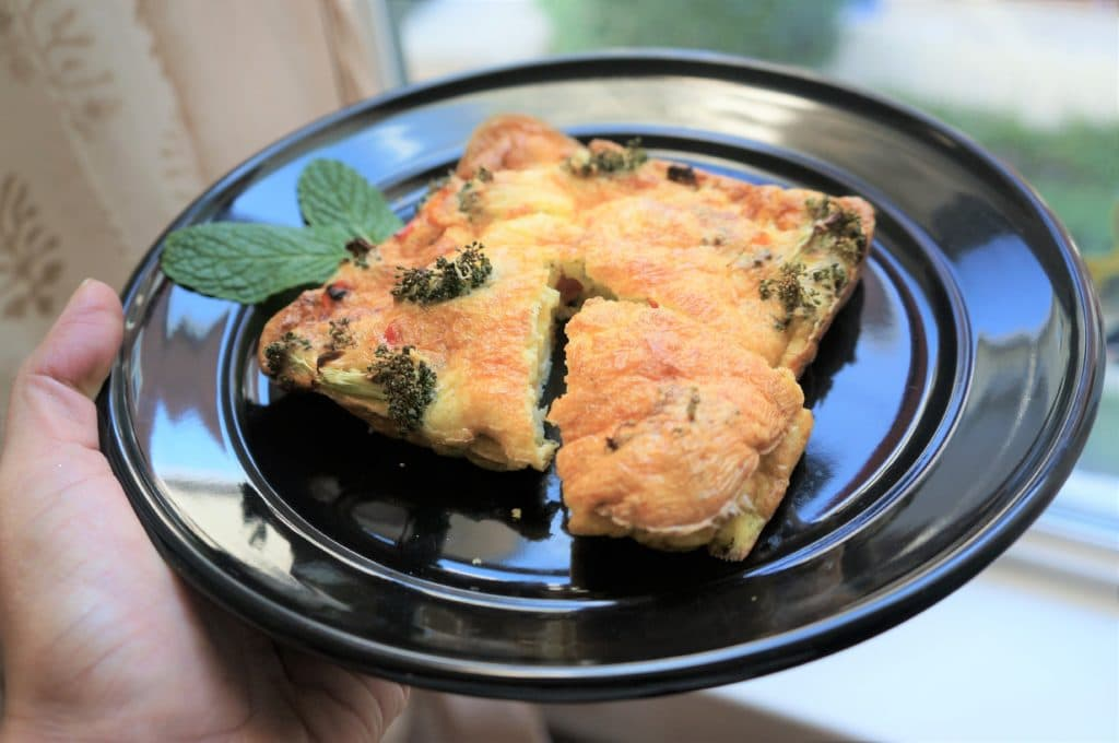 A delicious broccoli and bell pepper frittata made in the Air Fryer for a perfect breakfast! This is a versatile recipe, that can be changed to use with a variety of mix-ins.
