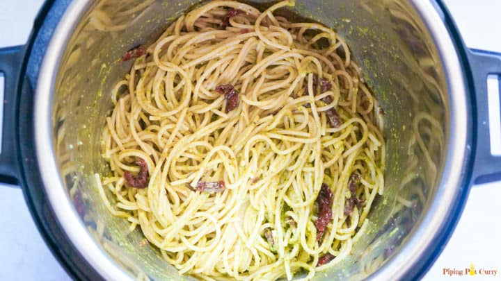 Instant Pot Spaghetti in Pesto Sauce Step 4