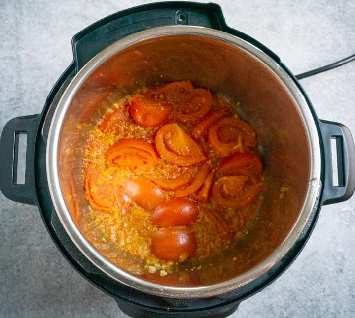 Pressure cooked ingredients for paneer tikka masala