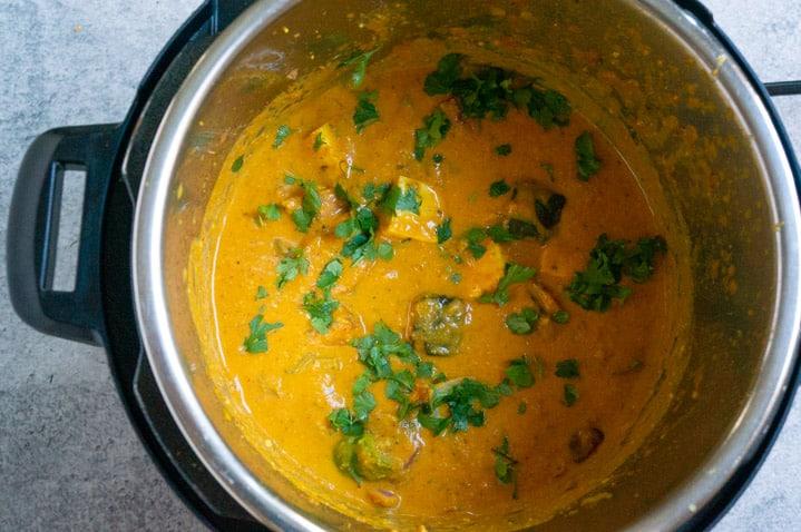 Garnish and ready paneer tikka masala