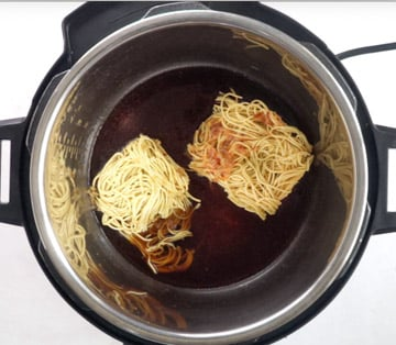 Noodles and sauces in the instant pot insert