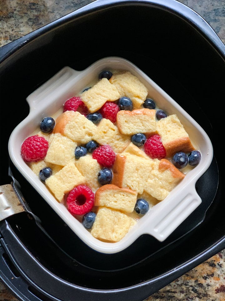 Berry bread pudding in air fryer to be baked