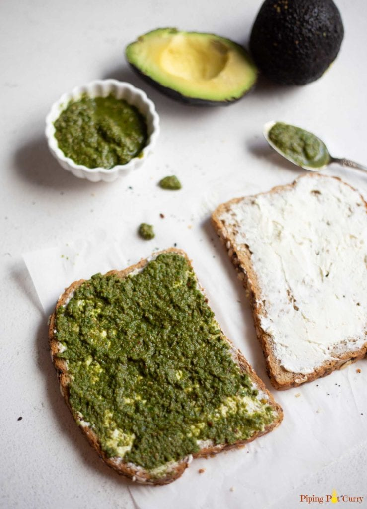 Two spices of bread with cream cheese and green chutney