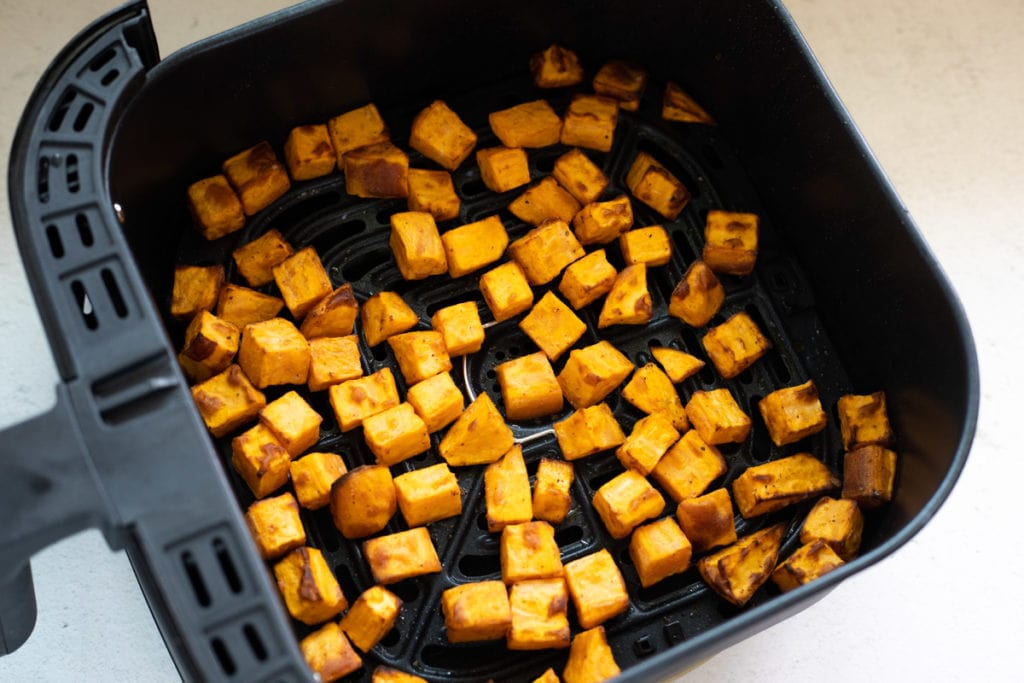 Roasted sweet potatoes in the air fryer