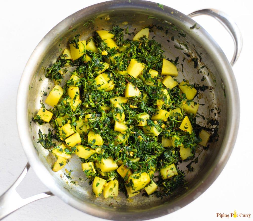Aloo Methi in a pan