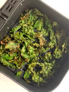 Crispy Kale chips in air fryer