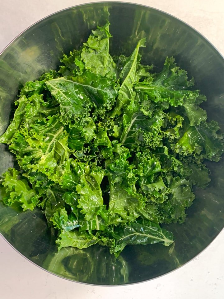 Kale seasoned with oil, salt and pepper