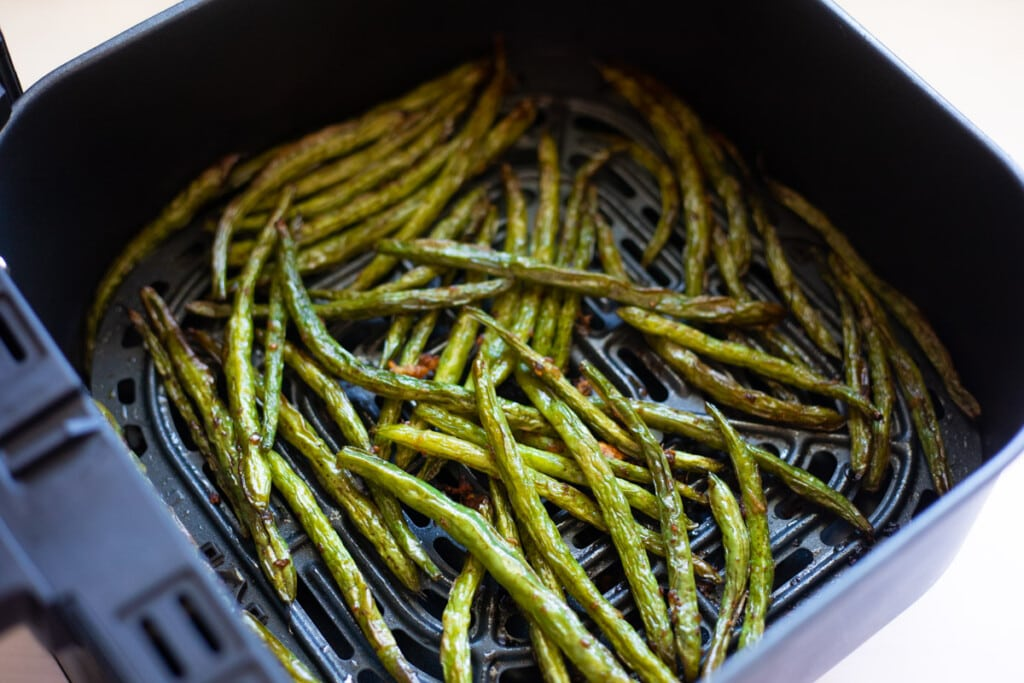 Roasted green beans asian style in air fryer