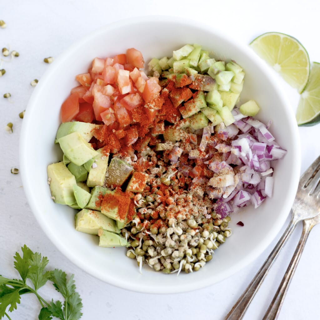Mix all spices in a white bowl